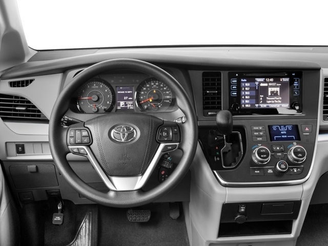 2017 Toyota Sienna LE AWD 7-Passenger - 17047181 - 5