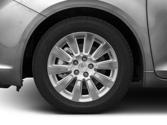2017 Toyota Sienna XLE FWD 8-Passenger - 16618861 - 9