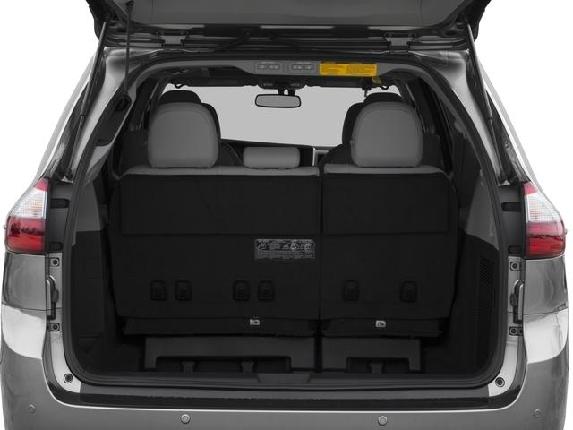 2017 Toyota Sienna XLE FWD 8-Passenger - 16618861 - 10