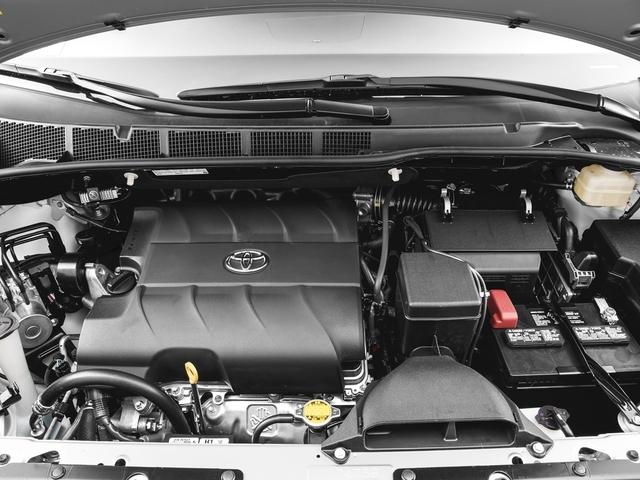 2017 Toyota Sienna XLE FWD 8-Passenger - 16618861 - 11