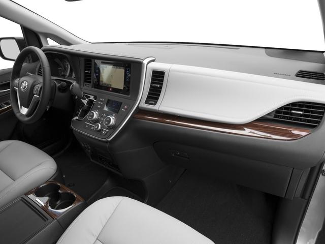 2017 Toyota Sienna XLE FWD 8-Passenger - 16618861 - 14