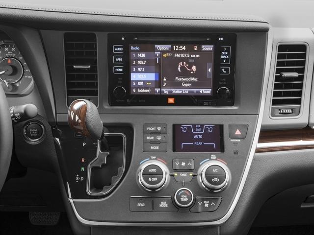 2017 Toyota Sienna XLE FWD 8-Passenger - 16618861 - 8