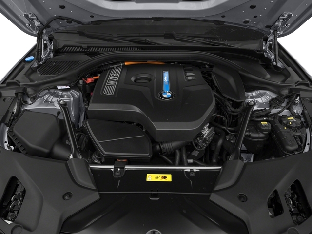 2018 BMW 5 Series 530e iPerformance Plug-In Hybrid - 18270784 - 11