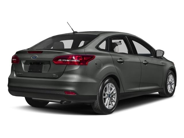 2018 Ford Focus SE Sedan - 17470747 - 2