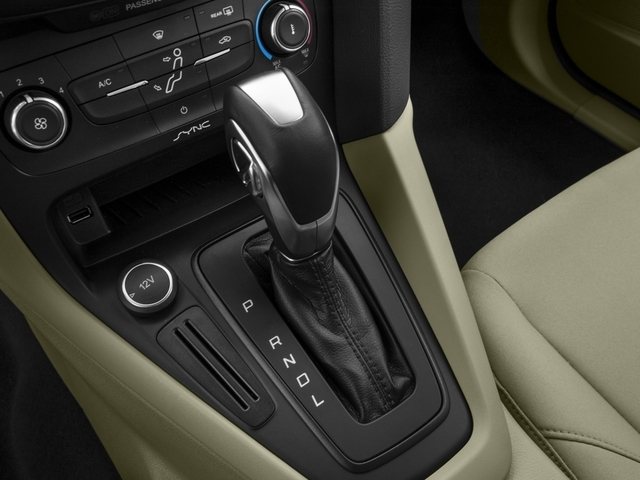 2018 Ford Focus SE Sedan - 17005151 - 9