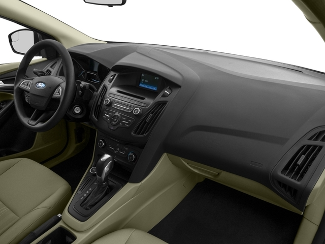 2018 Ford Focus SE Sedan - 17201798 - 16