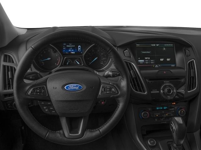 2018 Ford Focus SE Hatch - 16996252 - 5