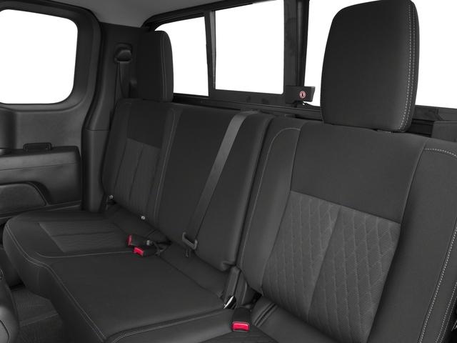 2018 Nissan Titan 4x4 King Cab SV - 17221278 - 12