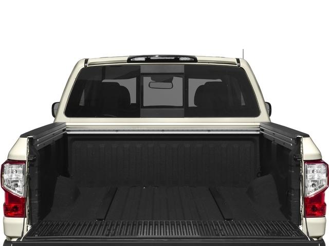 2018 Nissan Titan 4x4 Crew Cab SL - 17271698 - 10