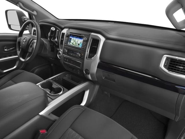 2018 Nissan Titan XD 4x4 Gas Crew Cab SV - 17340278 - 14