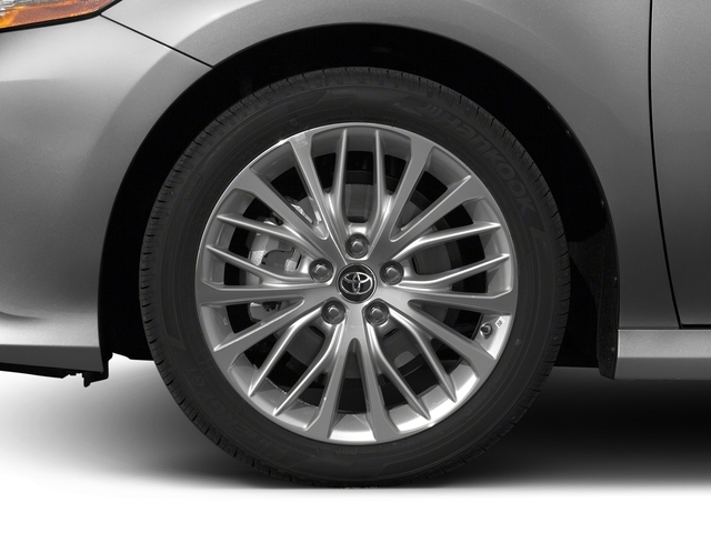 2018 Toyota Camry Hybrid SE CVT - 16945674 - 9