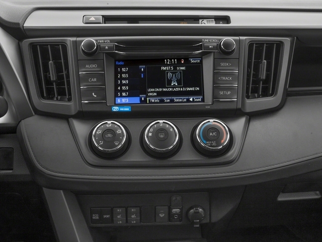 2018 Toyota RAV4 LE AWD - 17377427 - 8