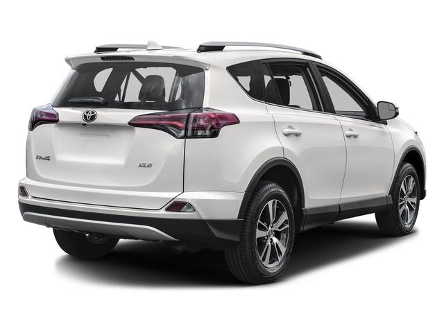2018 Toyota RAV4 XLE AWD - 17345079 - 2