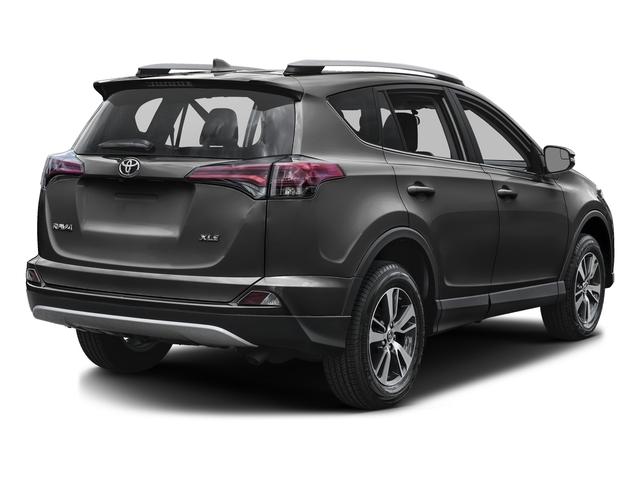 2018 Toyota RAV4 XLE AWD - 17092143 - 2