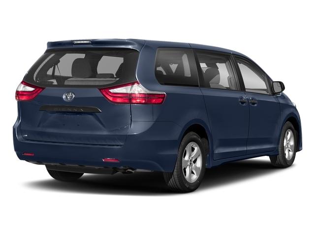 2018 Toyota Sienna L FWD 7-Passenger - 17304532 - 2