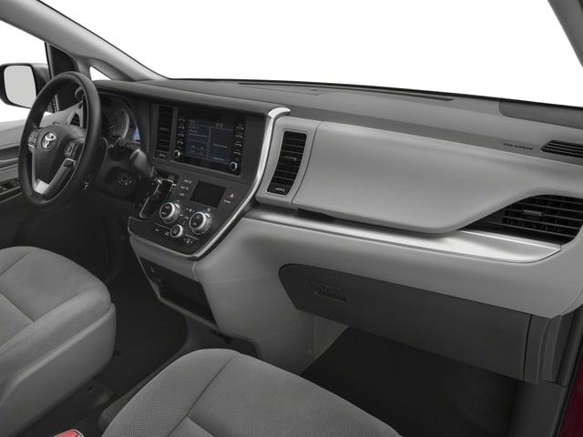 2018 Toyota Sienna L FWD 7-Passenger - 17314130 - 13