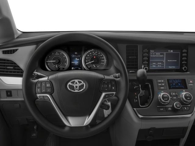 2018 Toyota Sienna L FWD 7-Passenger - 17853864 - 5