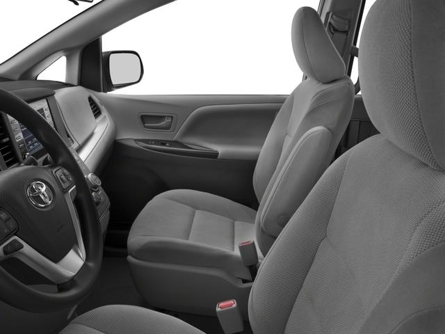 2018 Toyota Sienna L FWD 7-Passenger - 17853864 - 7